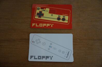FLOPPYのICカードステッカーも作りました。以前即日完売してしまったビニールポーチのデザインを高精度にしてプリント。写楽モデル・戸田モデルともにあります。一枚500円で5/3より販売。 http://t.co/pOEwuCzh1k