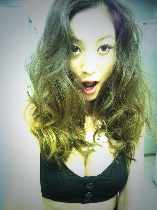 西山茉希のセクシー画像