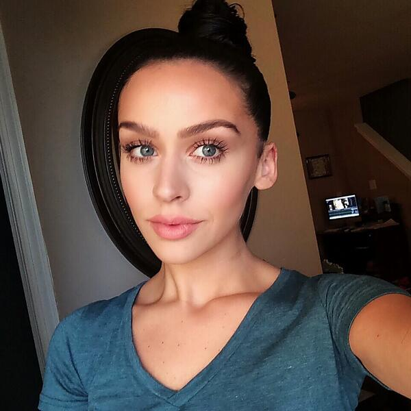 Carli Bybel On Twitter Natural Motd Spider Lashes Top Knot