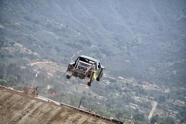 It's a bird, it's a plane, it's a JEEP! http://t.co/t3PTtIz5wM