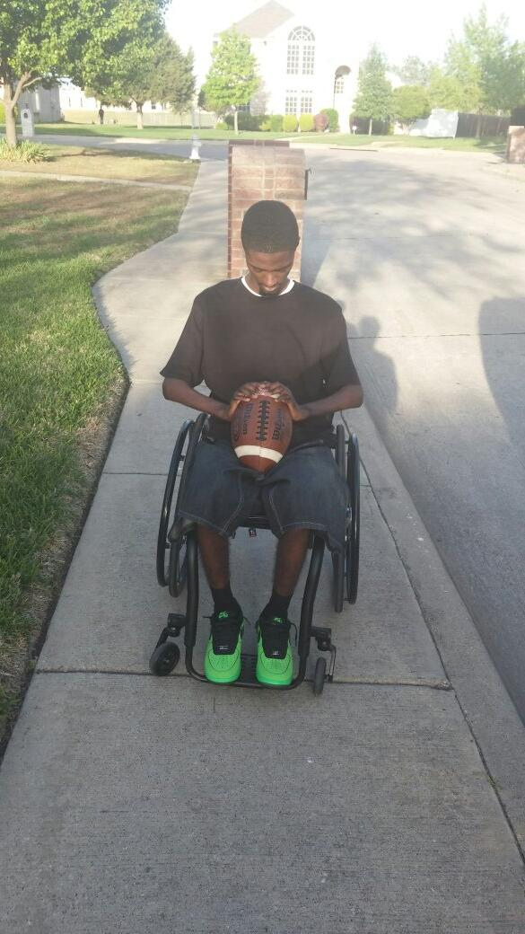 TODAY IS 5 YEARS SINCE MY INJURY. TIMES WILL BE HARD N TEARS WILL FALL. GOD GOT ME. I WILL WALK AGAIN. RETWEET FAV http://t.co/eGVYiMkJdS