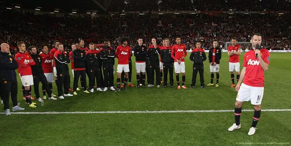 "Giggs: ""Keep supporting us and the good times will be coming back soon."" #MUFC #GiggsLegend http://t.co/njR7xxwEnX"