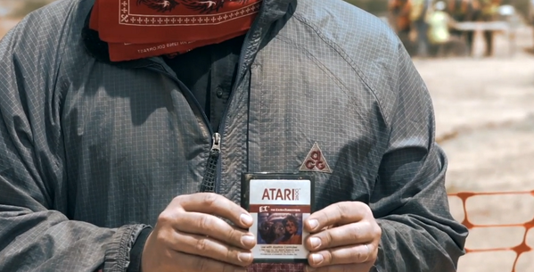 Atari's E.T. video game finally phones home. http://t.co/xZdgOIZ4W7 http://t.co/490xrfLsHu