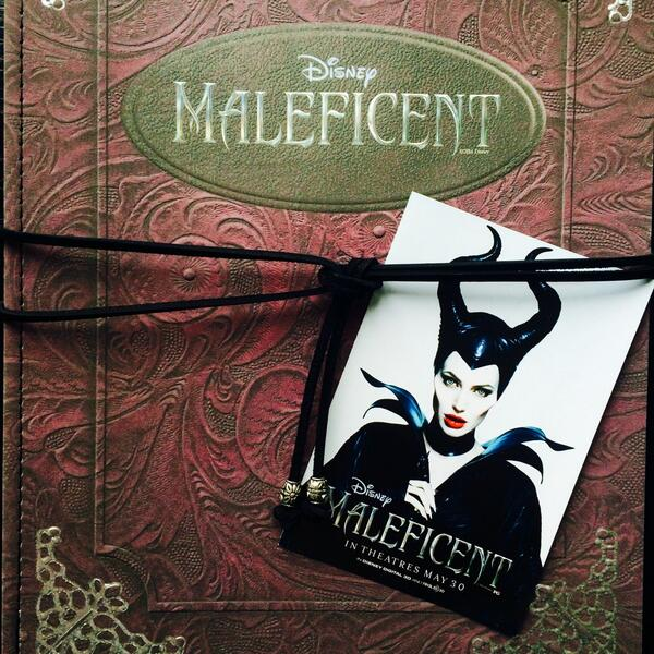 We're at @HSN for the @MALEFICENT Collection Preview! Tons of stunning pieces! #MALEFICENT http://t.co/2fidA4SWha