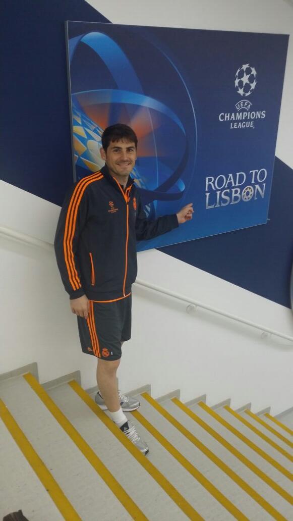 RT @CasillasWorld: Siiiiiiii!!!!!!!! Felices por este momento!!!! Va por todos vosotros madridistas!!!! #RoadToLisbon http://t.co/vDvmirPsGm