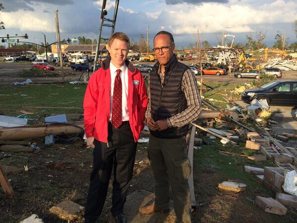 His urgent tornado warning to Tupelo and his colleagues went viral. Glad to meet meteorologist @wtvamatt http://t.co/orOeGiUMeN