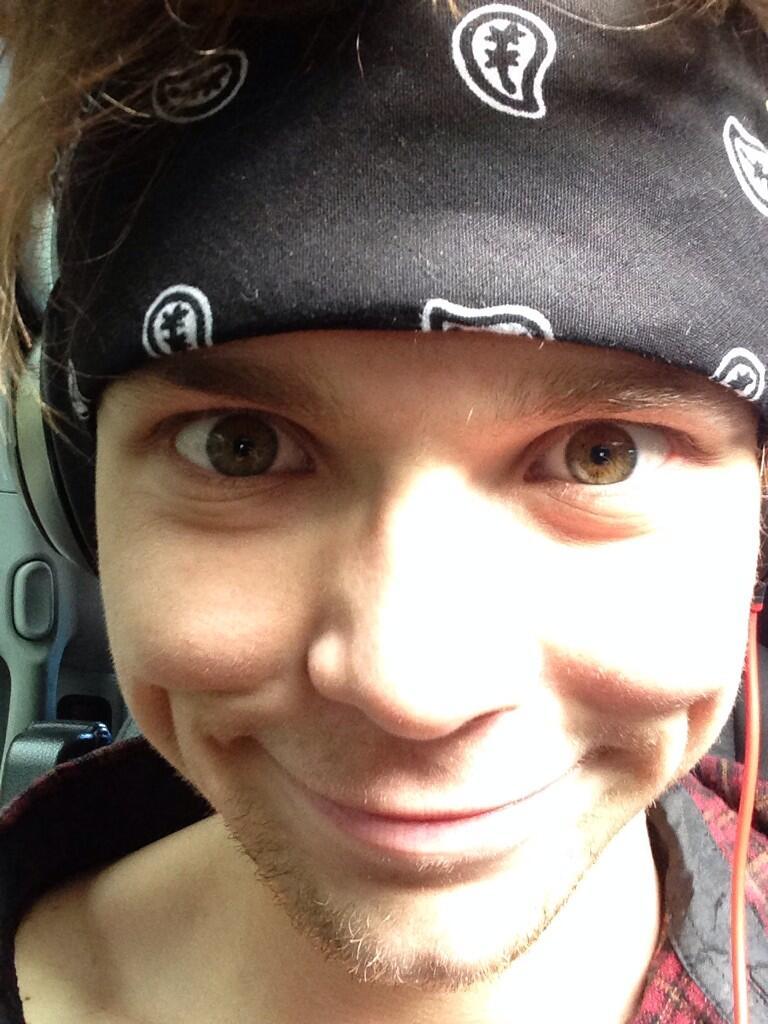 "Ashton Irwin on Twitter: ""I like you guiz @Michael5SOS ..."