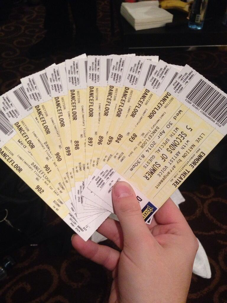5 seconds of summer on twitter legitimately have 10 of these and 5 seconds of summer on twitter legitimately have 10 of these and apparently everybody outside already has tickets damnit lol generousfail mikey kristyandbryce Gallery