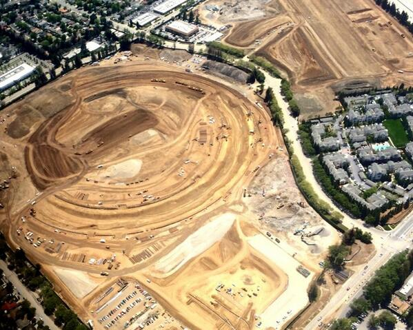 Aerial Photo Shows Outline of Apple's Spaceship Campus Taking Shape http://t.co/B6wSQ2NJbG http://t.co/ofQDt8E9UI