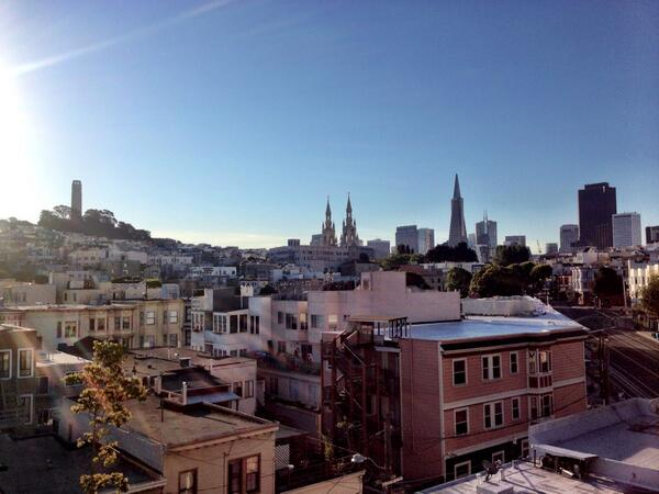 Wow San Francisco... You are already warm and lovely. Have a good day off @KarlTheFog 😎 http://t.co/610pSyZulw