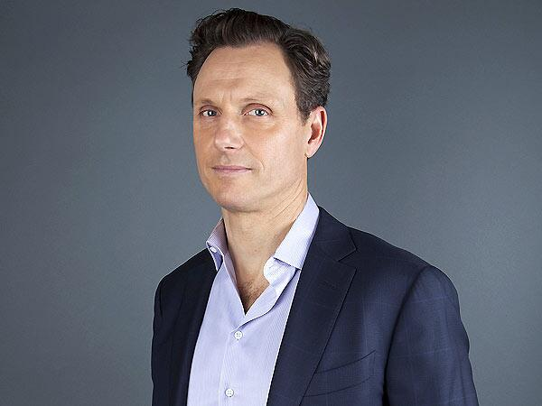 Fans of @ScandalABC, come to @MontclairFF tonight for free panel w/  @TonyGoldwyn http://t.co/xqGwXS0h40 #MFF14 http://t.co/Ikeuuyur6x