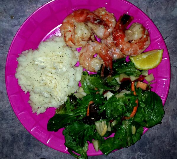 Shout out to #MediterraneanSeafood on #ErieSt in #Windsor #jumboshrimp yummmmm http://t.co/qfQWytTveS