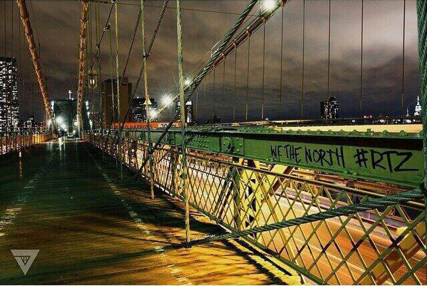 Raptors fans troll Nets on Brooklyn Bridge. Seriously http://t.co/LRB4EUaKUi http://t.co/c7o0Pb8qM7