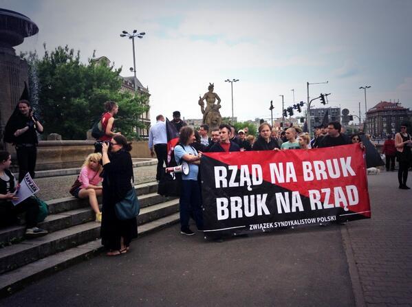 #MayDay #Wroclaw against the government slogans http://t.co/UPiDGmiJJN by @1majawroclaw #1maja #świętopracy @j_tokarz @WashaAgnes