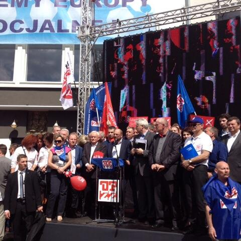 """""""@Polityka_WAW: Kandydat na przewodniczącego KE @MartinSchulz i premier @LeszekMiller na wiecu #OPZZ http://t.co/G48CQ3CLNW"""" #1maja"""