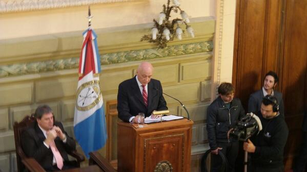 Discurso del Gobernador @AntonioBonfatti en apertura legislativa 2014 http://t.co/V2xGrr5mrd