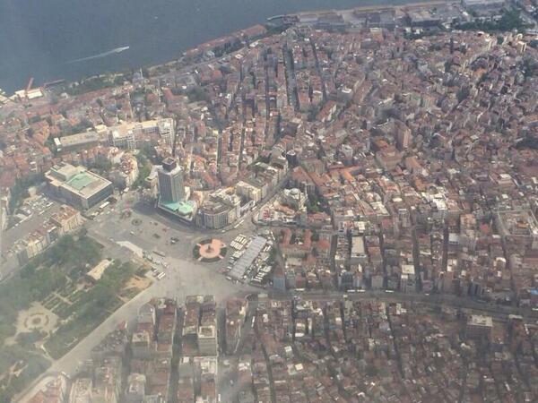 Taksim... http://t.co/4Mhl2gYlc4