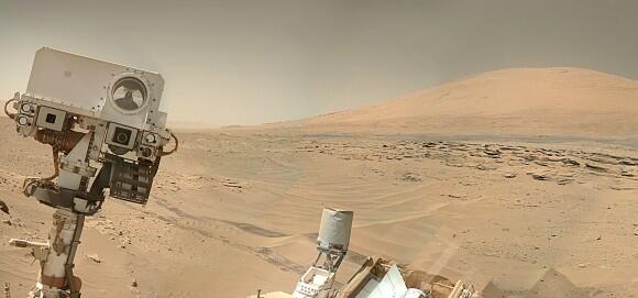 Hello from Mars! Curiosity smiles in latest #selfie. More: http://t.co/wqS0vjC0jH http://t.co/k1N6i8itO8