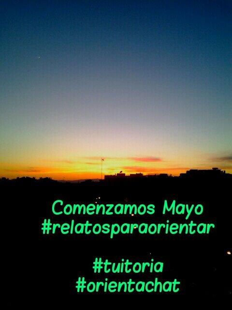 @alb_del_mazo Recién salido de la puesta de sol en Granada + luna.Comienza #relatosparaorientar.#tuitoria#orientachat http://t.co/B3S7AZX0Z1
