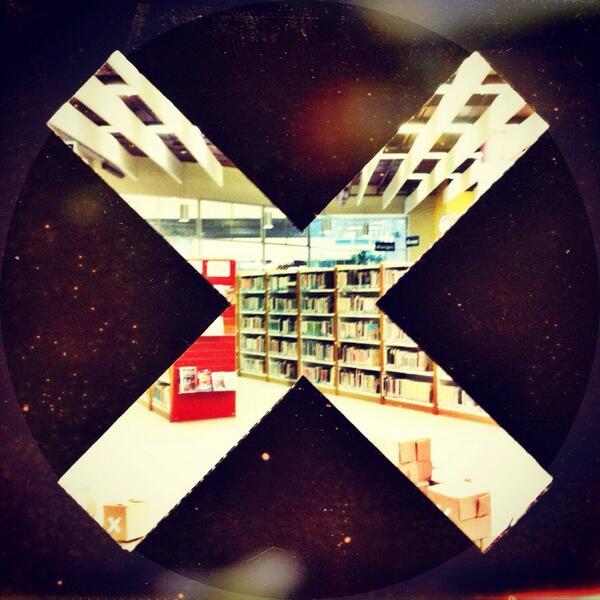 Résistance dans la section des enfants à la bibliothèque #manifdart #resistance @manifdart<br>http://pic.twitter.com/1GdUi0whwd