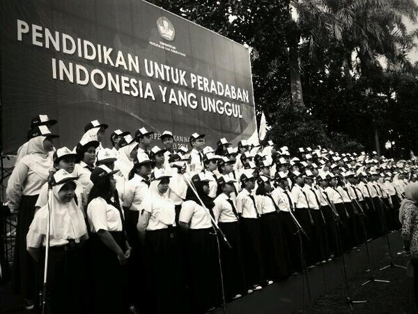 Selamat Hari Pendidikan Nasional 2014 http://t.co/e6iq7tcctQ