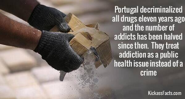 Should drugs be legalised? - Page 2 BmmaD7OCAAEhUdy