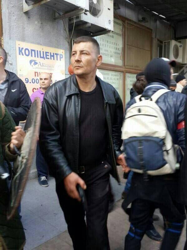 Террористы похитили руководителя донецкой самообороны - Цензор.НЕТ 3013