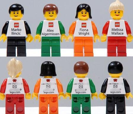 Lego's business cards.  Impractical but awesome. http://t.co/KIFrOwY0Hp