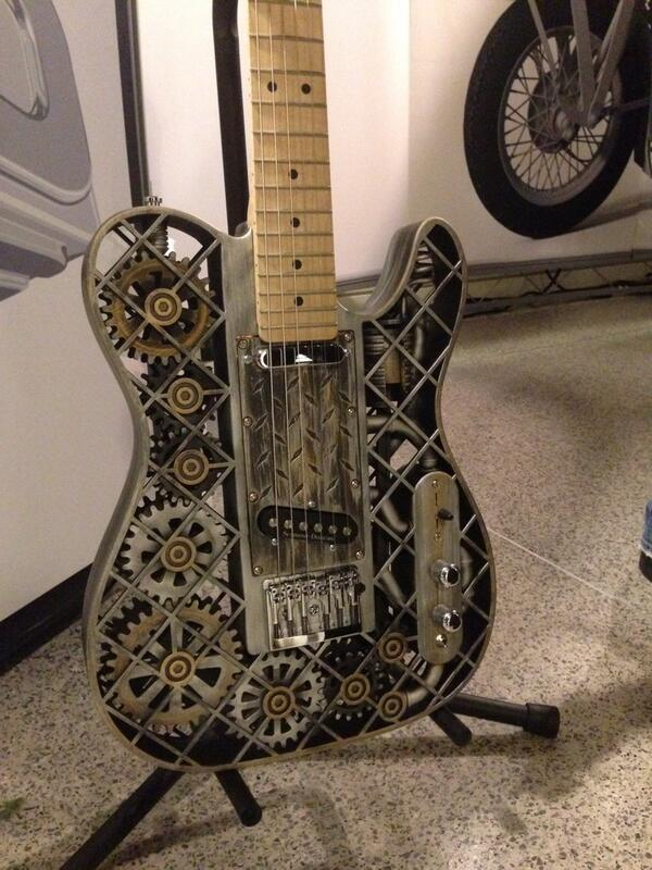 Check it out! This guitar was made by a 3D printer at #CreativityCon, hosted by @Microsoft, @MPAA & @ABC. http://t.co/yz012o1klQ
