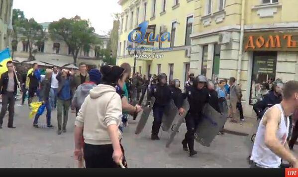 Сепаратисты приехали в Одессу на авто с донецкими номерами - Цензор.НЕТ 7736