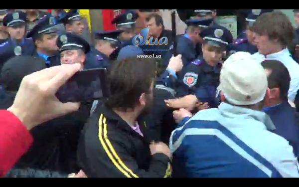 Сепаратисты приехали в Одессу на авто с донецкими номерами - Цензор.НЕТ 8083