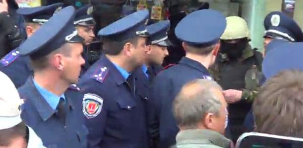 Сепаратисты приехали в Одессу на авто с донецкими номерами - Цензор.НЕТ 1065
