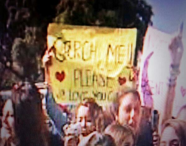 """Garch me, please, I love you!"", la súplica de las Directioners http://t.co/0AblCWha7f"