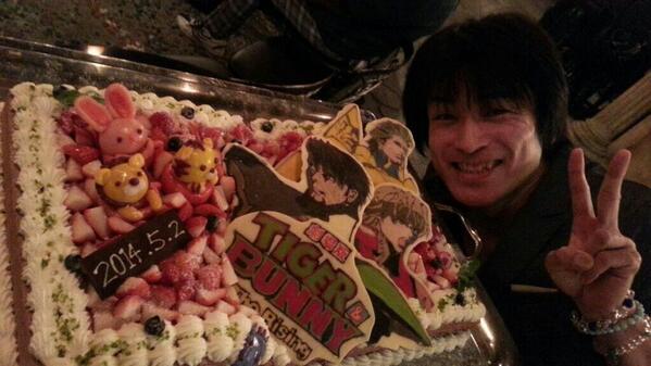 ★今日は【TIGER&BUNNY −The Risng−】の打ち上げがあったさ! ケーキの脇でバニーが笑ってたさ♪ え?もっとアップで見たいって?