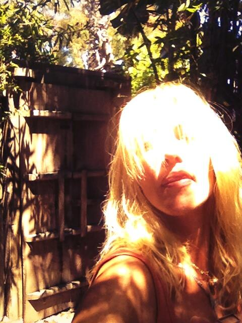 The knife in my back is bothering me a bit today.. Otherwise super day here in CA. Foolless & ruleless #DTA http://t.co/oJAHlLoYOG
