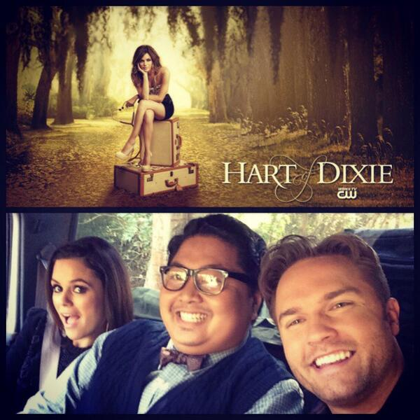 me with these two. TONIGHT @ 9pm/8c. @cwhartofdixie @ScottPorter #RachelBilson http://t.co/InKIq9j2fz