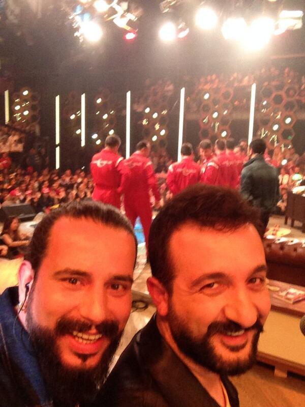 @edisilhan: @geceyolculari turk yildizlariyla ilk selfie yi @beyazshow da biz yaptik :)) birazdan UNUT BENI http://t.co/7OTeswdNjI