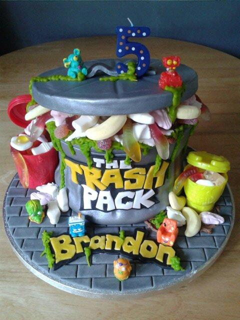 Trash pack cake x please RT x http://t.co/b9bMoluNlK