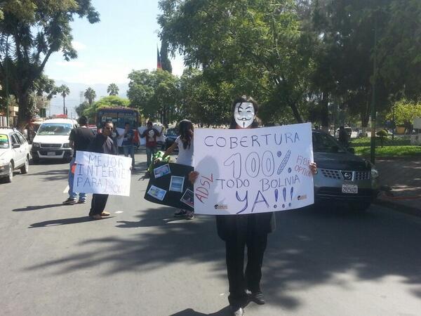#OpBabosa en #Cochabamba genera todo tipo de respuestas: están paralizando el Prado cochabambino http://t.co/fjA8ibRt6w