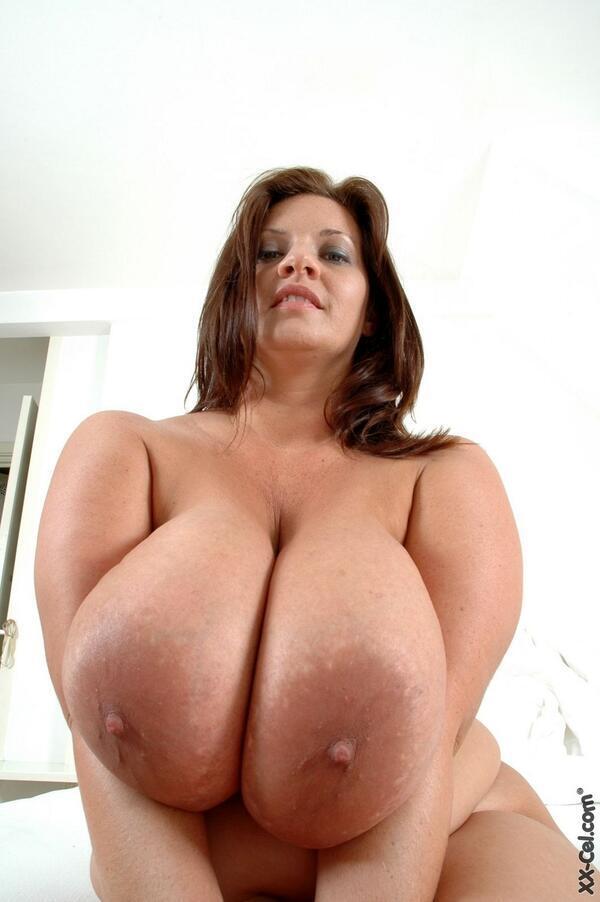 I Love Hot Mom Diposisikan69  Twitter-3729