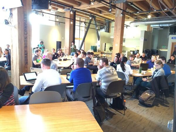 Packed house at @hack2end http://t.co/T7ZwVHoybm