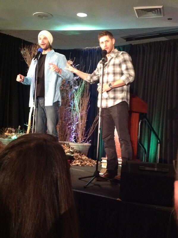 J2! #dccon http://t.co/htM7R6fCLQ