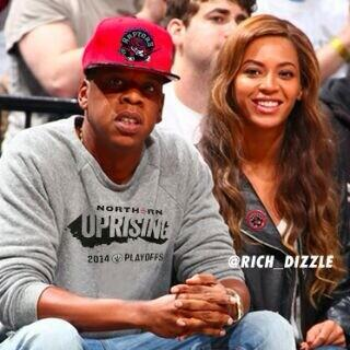 Jay and B know what it is! #WeTheNorth  #RAPTORSvNETS @Raptors http://t.co/dRGCWJfpNj