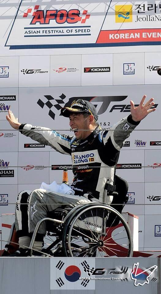 1st podium GT ASIA !! http://t.co/Y3yuAYznEN
