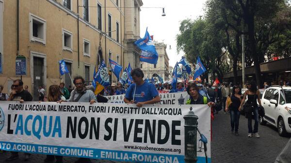 """#Roma #17m #MayOfSolidarity A tre anni dai referendum il movimento per l""""acqua bene comune continua a lottare http://t.co/Tljy4JuBBd"""