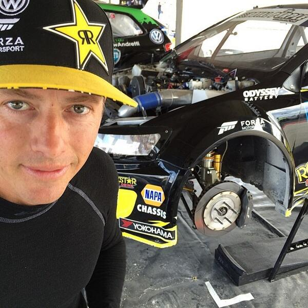 """Tanner Foust On Twitter: """"But First Let Me Take A Selfie"""