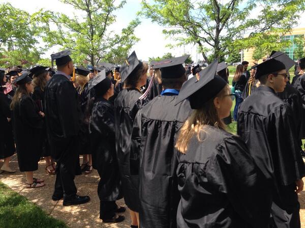 Gorgeous weather, happy day for lots of #sccgrads! http://t.co/SRYBiI5wru