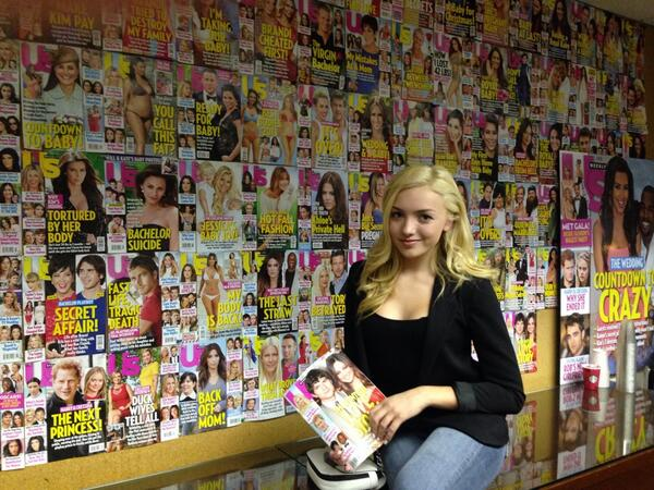 This cutie stopped by Us to chat fashion & her new movie. Don't forget @PeytonList 2 hands on the wheel! #usweekly http://t.co/pqcUGuYA3K