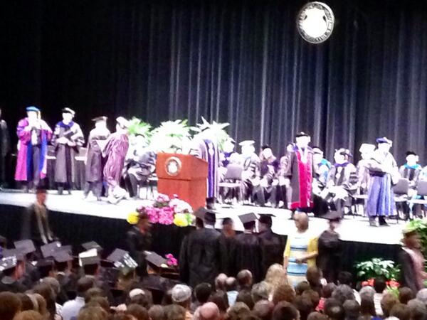 And they start walking....#SNRgrad514 http://t.co/HeE8cDoFoR