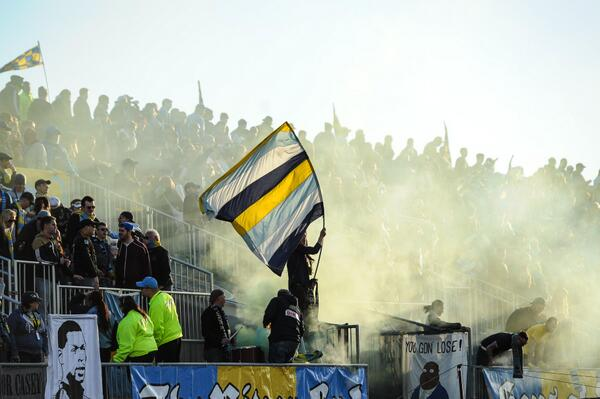 Good rule to live by just taught by the @sonsofben. When life gets you down, sing Queen. http://t.co/qfS6Fwys1Y